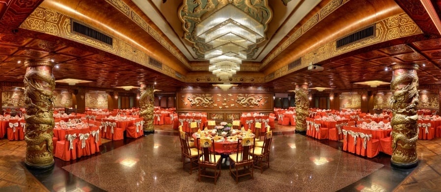 Let your eyes feast on the amazing Chinese architecture as you dine in Mandarin Palace Restaurant. Source: The Federal Kuala Lumpur FB