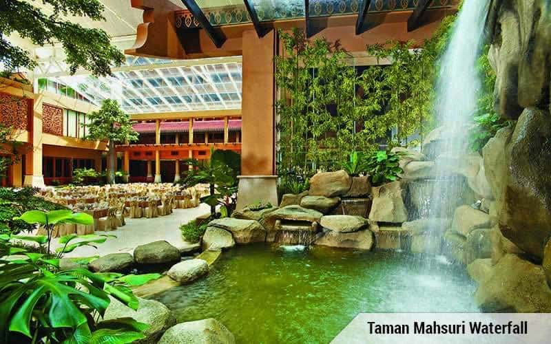 Taman Mahsuri Courtyard also has an indoor waterfall to grace the space, how cool is that! Source: Royale Chulan Kuala Lumpur