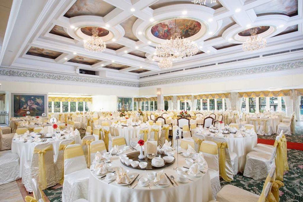 Luxurious Versatility at Holiday Villa Hotels & Conference Centre 4 Luxurious Versatility at Holiday Villa Hotels & Conference Centre